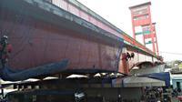 Kementerian Pekerjaan Umum dan Perumahan Rakyat (PUPR) melakukan rehabilitasi Jembatan Ampera. (Dok Kementerian PUPR)