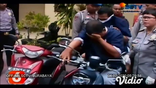 Dua pelaku pencurian kendaraan bermotor (Curanmor) diamankan oleh Reskrim Polsek Wonocolo Surabaya, Rabu (29/1). Keduanya ditangkap setelah beberapa kali melakukan pencurian.
