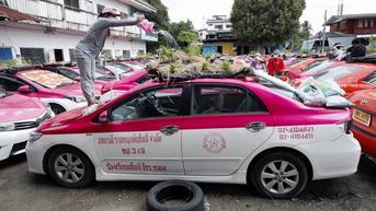 Sepi Penumpang, Taksi-Taksi di Thailand Disulap Jadi Kebun Mini