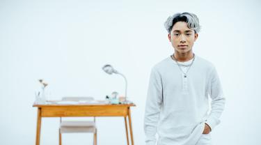 Betrand Peto dengan single terbarunya versi Korea