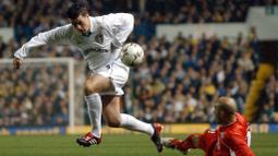 Ian Harte berhasil membukukan 28 gol dari 238 penampilannya di Liga Inggris. Pemain belakang berkebangsaan Irlandia ini pernah tercatat bermain di Leeds United, Sunderland, dan Reading sebelum ia memutuskan pensiun di tahun 2015. (Foto: AFP/Paul Barker)