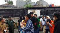 Polres Jakarta Selatan menggelar adegan pembunuhan wanita di Mampang, Jakarta. (Liputan6.com/ Fachrur Rozie)