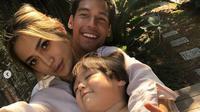 Richard Kyle mengunggah potret keintimannya bersama Jessica Iskandar dan El Barack (Instagram/@richo_kyle)