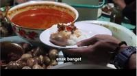 Berbeda dengan gudeg Jogja, Gudeg Koyor Mbak Tum yang direkomendasikan Gubernur Ganjar Pranowo untuk menu sahur ini bercitarasa gurih. (dok. Youtube Ganjar Pranowo/Dinny Mutiah)