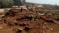 Situs Sekaran di area proyek Jalan Tol Pandaan - Malang tampak tidak terurus pasca penemuannya 7 bulan silam (Liputan6.com/Zainul Arifin)