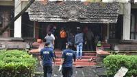 Ada yang mengaku kesurupan saat kebakaran melanda di komplek kantor Gubernur Bali. (Agung Bayu/JawaPos)
