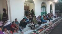 Agenda membuka pagi sudah dimulai sejak dini hari di Masjid Al Iman Boyolali. (Liputan6.com/Yanuar H)