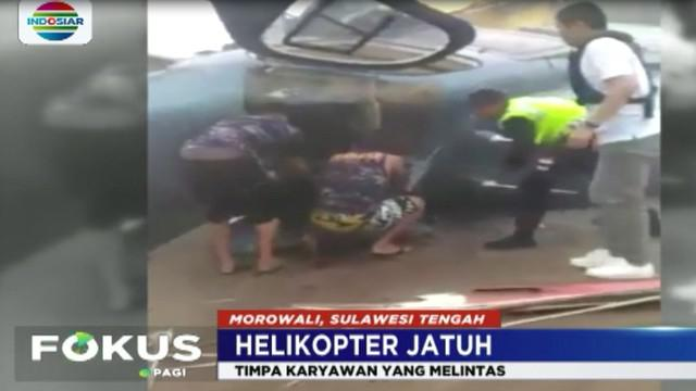 Insiden ini  membuat seorang  karyawan yang tengah melintas  tewas. Korban yang diketahui bernama Aris Heni Wirawan, berusia 23 tahun terkena baling-baling helikopter yang terjatuh.