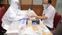 Kementerian Koperasi dan UKM melakukan Rapid Test bagi seluruh Aparatur Sipil Negara (ASN) di lingkungan Kementerian. (Dok Kemenkop dan UKM)