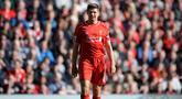 Steven Gerrard merupakan salah satu pemain terhebat yang pernah dimiliki Liverpool. Gerrard tercatat telah menghabisakan 17 tahun (1998-2015) bersama The Reds. Namun, ia ternyata tak pernah saklipun menjuarai Liga Inggris bersama Liverpool. (AFP/Oli Scarff)