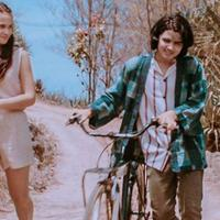 Aliando Syarief di film Asal Kau Bahagia. foto: Instagram (@falconpictures_)