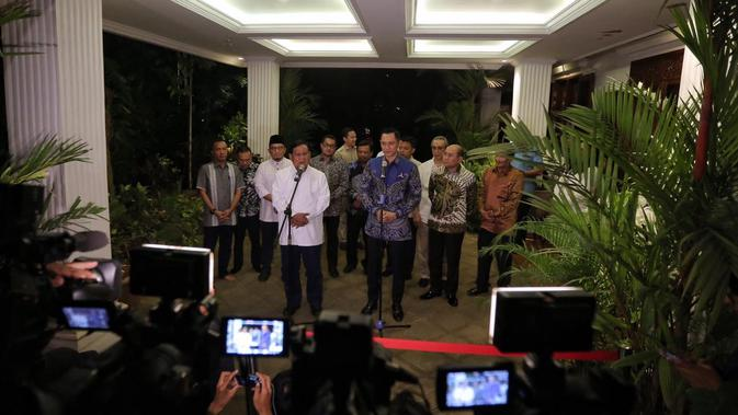 Di Depan AHY, Prabowo Sanjung Militansi Kader Demokrat Menangkan Paslon 02
