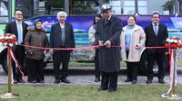 Kedutaan Besar Republik Indonesia (KBRI) di Tashkent memanfaatkan bus umum sebagai media promosi wisata Tanah Air di Uzbekistan. (Dokumentasi KBRI Tashkent/Antara)