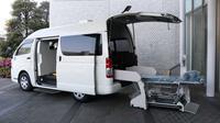 Toyota Modifikasi Hiace Untuk Angkut Pasien Serius (Motor1)