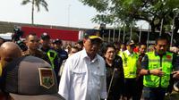Menhub Budi Karya Sumadi dan Menkes Nilla Moeloek meninjau persiapan mudik di Bandara Internasional Soekarno Hatta, Kota Tangerang, Minggu (26/5/2019).  Liputan6.com/Pramita