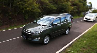 Begini Rasanya Naik All New Toyota Kijang Innova