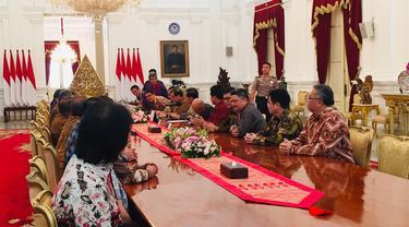 Presiden Joko Widodo atau Jokowi menerima pengurus Asosiasi Pengusaha Indonesia (Apindo) di Istana Merdeka, Jakarta. Pertemuan dilakukan pukul 09.43 WIB.