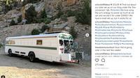 Unik, dengan menyulap sebuah bus sepasang kekasih pergi traveling mengelilingi dunia. (Foto: instagram @schooloflifebus