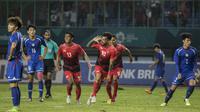 Gelandang Timnas Indonesia, Stefano Lilipaly, merayakan gol yang dicetaknya ke gawang Taiwan pada laga Grup A Asian Games di Stadion Patriot, Jawa Barat, Minggu (12/8/2018). (Bola.com/Vitalis Yogi Trisna)