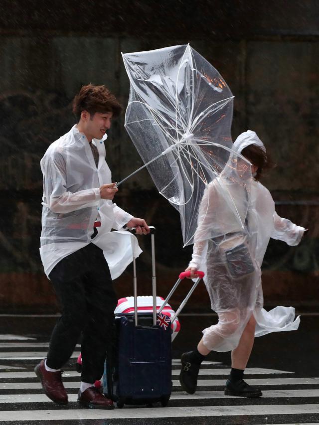 Angin Topan Jebi Hantam Jepang