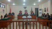 Dua saksi dalam perkara UU ITE beberkan adanya dugaan suap proyek DAK di Kota Pare-Pare (Liputan6.com/ Eka Hakim)
