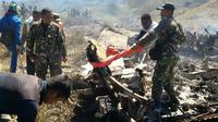 Puing pesawat Hercules TNI yang jatuh di Wamena (foto: Istimewa)
