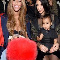 Beyonce dan Kim Kardashian hingga kini hubungan keduanya masih menjadi tanda tanya besar untuk publik. Kim dan Beyonce tidak akur dan bersaing demi popularitas diantara keduanya. (Dailymail/Bintang.com)