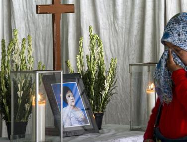 Duka Keluarga Korban Bom Gereja Surabaya