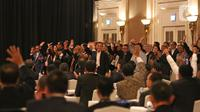 Calon Ketua Umum PSSI Periode 2019-2023 Mochamad Iriawan alias Iwan Bule menghadiri Kongres Luar Biasa (KLB) Pemilihan PSSI di Jakarta, Sabtu (2/11/2019). Agenda utama KLB PSSI ini adalah memilih ketua umum, dua wakil ketua umum, dan 12 orang komite eksekutif (exco). (Liputan6.com/Herman Zakharia)