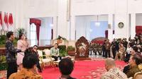 Raisa saat merayakan Hari Musik Nasional di Istana bersama Presiden Jokowi. (Instagram - @raisa6690)