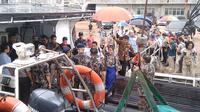 Satgas 115 menangkap kapal penangkap ikan MV NIKA berbendera Panama di Selat Malaka. Kapal tersebut merupakan buruan Interpol sejak Juni 2019.