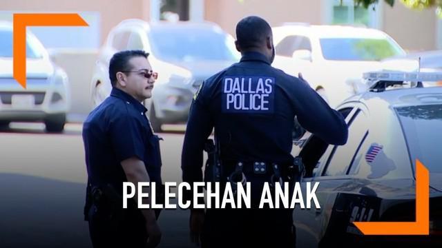 Kepolisian menggeledah Kantor Keuskupan Dallas, AS. Mereka mencari bukti dan meminta keterangan terkait kasus pelecehan anak. Akibat kasus ini, seorang uskup berusia 70 tahun diskors.