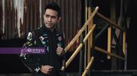 Menyimak perjuangan Fildan menggapai juara pertama di ajang D'Academy Asia 3.  (Photographer: Adrian Putra/Bintang.com, Digital Imaging: Muhammad Iqbal Nurfajri/Bintang.com)