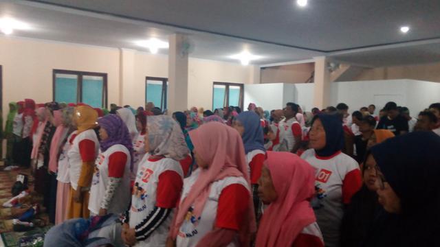Sekitar 1.000 an massa berbagai aktifis buruh, tani, santri di Ciamis siap memenangkan Jokowi