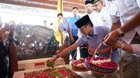 Cawapres nomor urut 01 Sandiaga Uno berziarah ke makam Bung Karno di Kota Blitar, Jawa Tengah. (Istimewa)