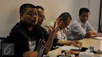 Rohaniwan, Romo Benny Susetyo (kiri) memberikan pemaparan saat diskusi Koalisi Masyarakat Berantas Mafia Parlemen Menyikapi Perkembangan Sidang MKD, Jakarta, Selasa (8/12/2015). (Liputan6.com/Faisal R Syam)
