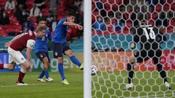 Matteo Pessina menjadi pemain pengganti yang bersinar di timnas Italia. Golnya ke gawang Wales dan Austria cukup membuktikan pemain berusia 24 tahun ini patut diwaspadai Timnas Belgia. (Foto: AFP/Pool/Frank Augstein)
