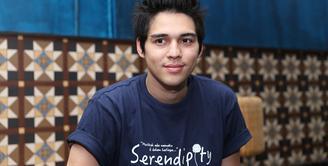 Selain sibuk syuting film dan sinetron, Maxime Bouttier juga disibukkan dengan bermusik. Barsama teman-temannya ia mendirikan sebuah band. (Nurwahyunan/Bintang.com)
