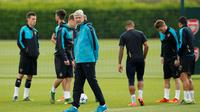 Pelatih Arsenal Arsene Wenger (Reuters / John Sibley)
