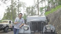 Calon Wakil Gubernur Emil Dardak mengikuti ekspedisi bersama komunitas Jeep (Liputan6.com/Dian Kurniawan)