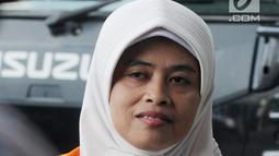 Anggota DPRD Komisi A Kabupaten Kebumen Dian Lestari saat tiba untuk menjalani pemeriksaan lanjutan di gedung KPK, Jakarta, Jumat (16/03). (Merdeka.com/Dwi Narwoko)