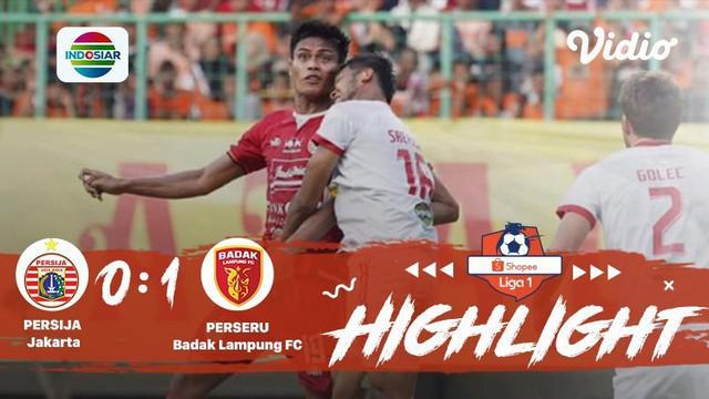 Pertandingan #ShopeeLiga1, antara #PersijaJakarta vs #BadakLampung yang berlangsung di Stadion Gelora Bung Karno, DKI Jakarta pada...