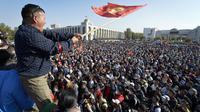 Rakyat Kirgizstan protes hasil pemilihan legislatif. Dok: AP Photo/Vladimir Voronin