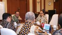 Menaker akan terus  mendorong penempatan tenaga kerja Indonesia terutama sektor formal yang menguntungkan bagi tenaga kerja Indonesia.