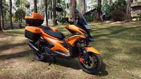 Modifikasi Yamaha Aerox bergaya adventure. (Septian / Liputan6.com)