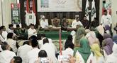Suasana acara halalbihalal yang digelar DPP Partai Kebangkitan Bangsa (PKB) di Kantor DPP PKB, Jakarta, Senin (17/6/2019). Acara halalbihalal yang dihadiri oleh para ulama dan kader PKB itu dalam rangka mempererat silaturahmi setelah merayakan Idul Fitri 1440 Hijriah. (merdeka.com/Iqbal S Nugroho)