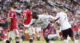 Manchester United harus menelan pil pahit kala dipermalukan Aston Villa pada laga pekan keenam Liga Inggris 2021/2022 di Stadion Old Trafford, Sabtu (25/9/2021). (AP/Jon Super)