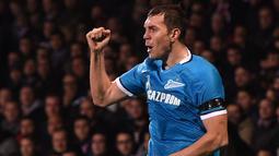 Pemain Zenit Saint-Petersburg,  Artem Dzyuba menempati urutan ke tiga dengan total 6 gol. (AFP Photo/Philippe Desmazes)