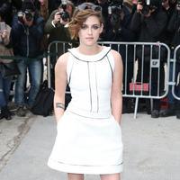 Kristen Stewart, pemain film Charlie's Angels (mariclaire.com)