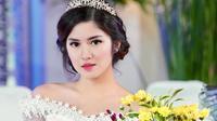 Ochi Rosdiana dalam busana pengantin (Sumber: Instagram/ochi2)